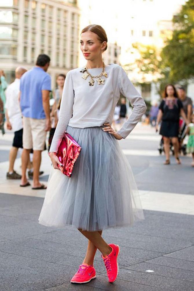 Як правильно носити модні повітряні спідниці після 45 років 6