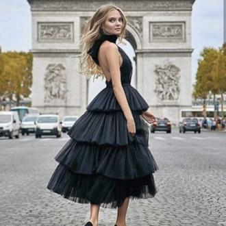 Як правильно носити модні повітряні спідниці після 45 років 7