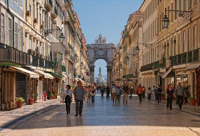 Lisbon is in the top 3 best cities in the world for emigrants 1
