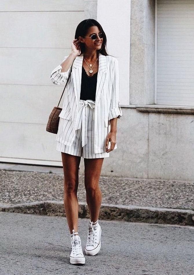 Женский костюм пиджак с шортами: основной летний тренд 18