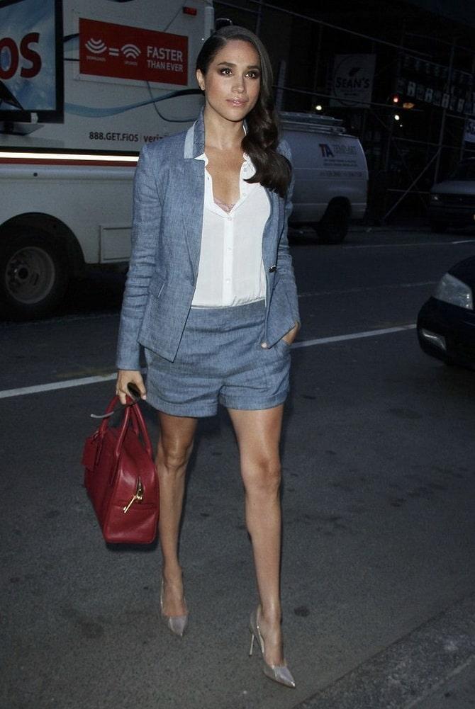 Женский костюм пиджак с шортами: основной летний тренд 22
