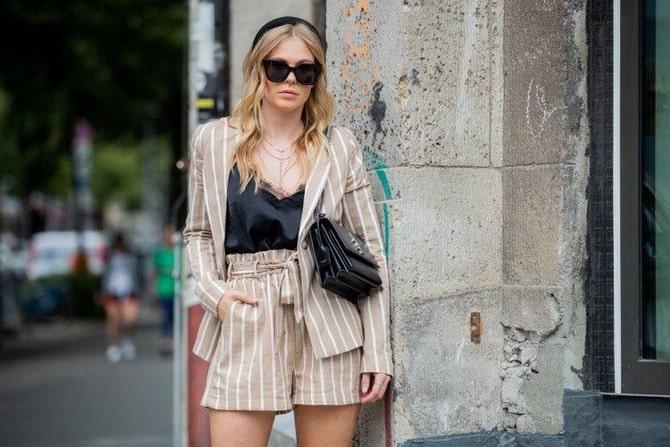 Женский костюм пиджак с шортами: основной летний тренд 19