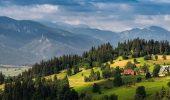 Плануємо літню відпустку: популярні туристичні локації України