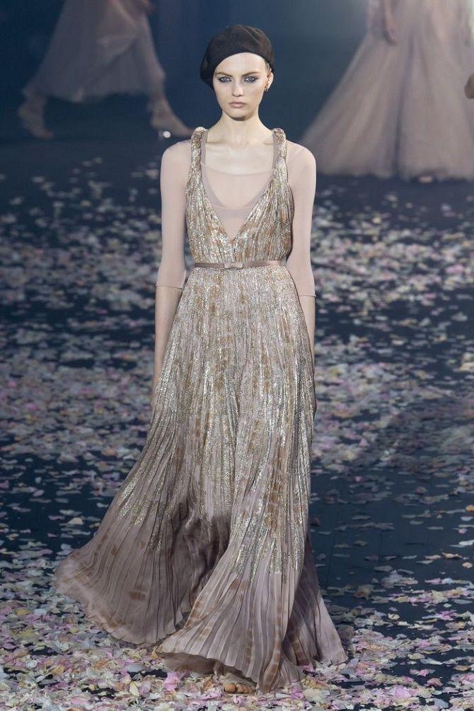 Нежнее нежного: самые модные бежевые платья 2021-2022 14