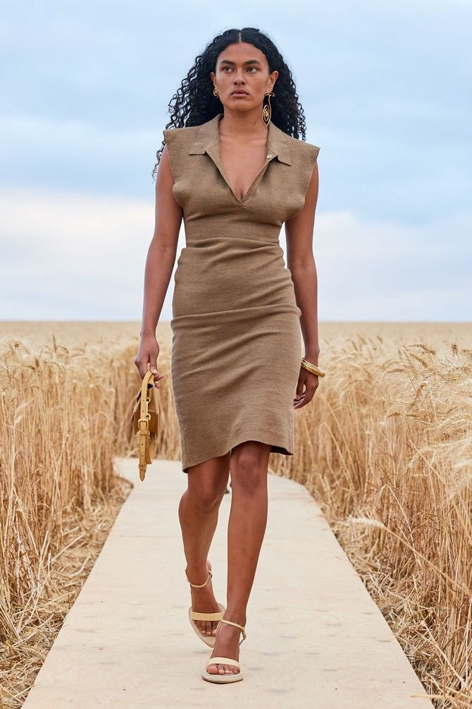Нежнее нежного: самые модные бежевые платья 2021-2022 17