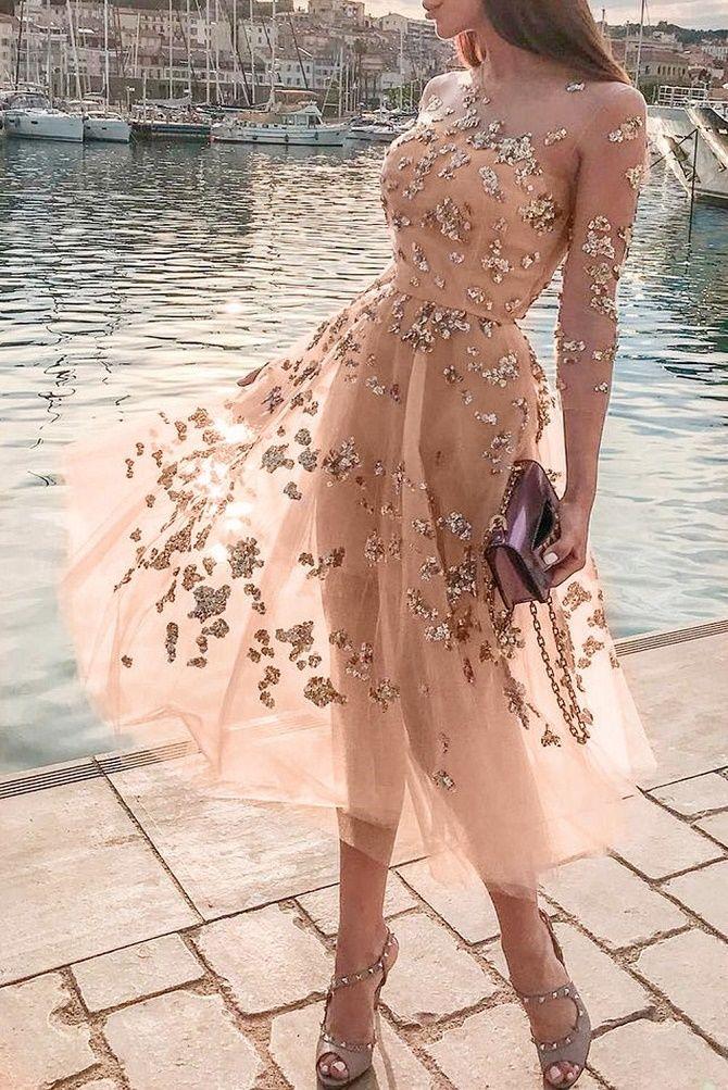 Нежнее нежного: самые модные бежевые платья 2021-2022 9