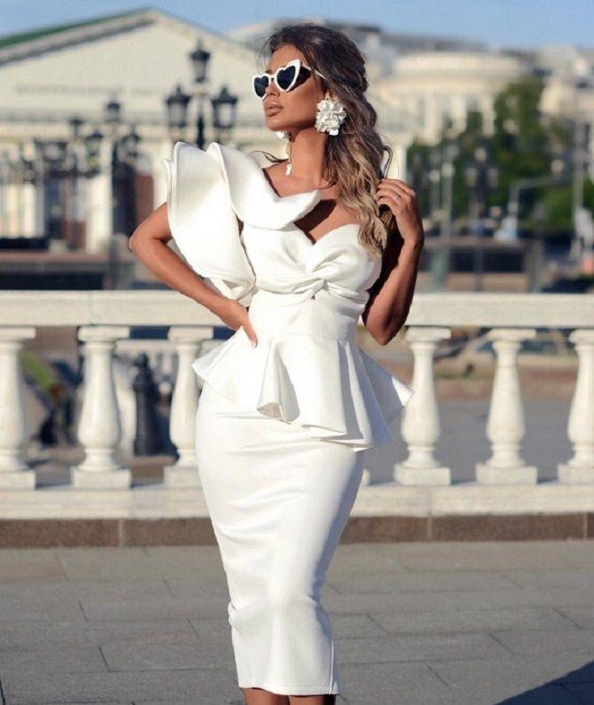 Самые красивые белые платья на лето 2021: идеи образов 1