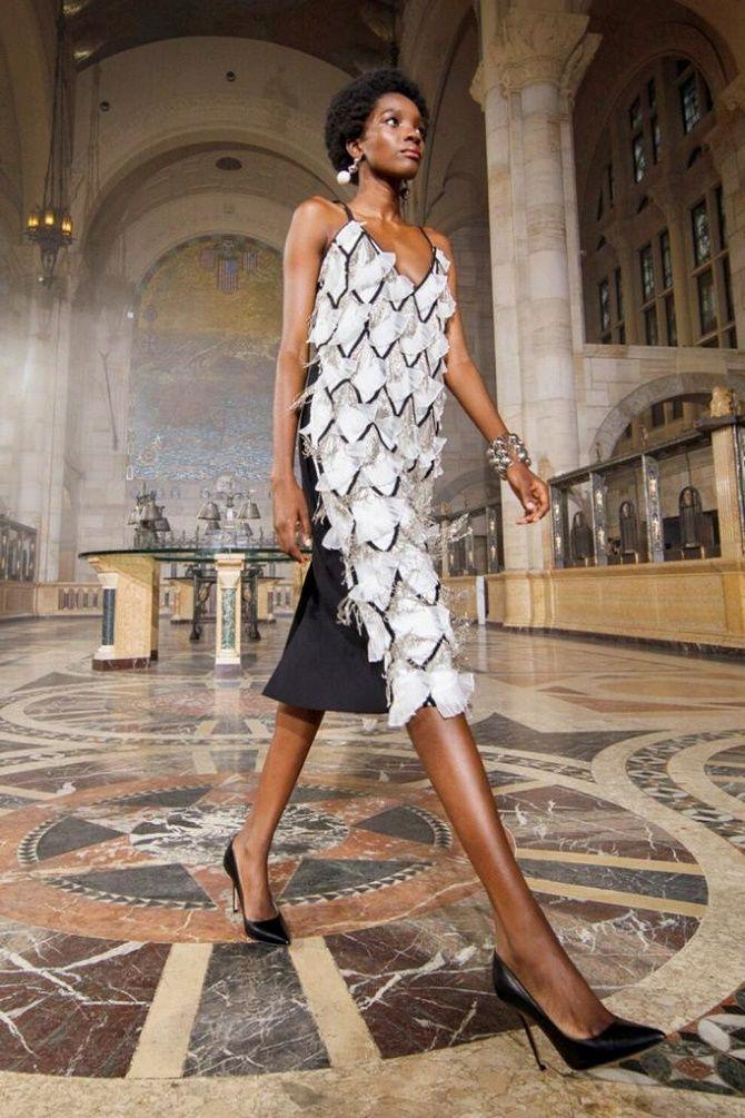 Самые красивые белые платья на лето 2021: идеи образов 9