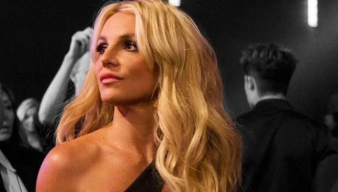 Бритни Спирс выступила в суде против отца: «Мне не разрешали рожать и выходить замуж» 2