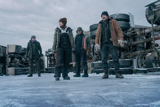 """Фільм """"Льодовий дрифт"""" (2021): боротьба з крижаною пасткою, щоб врятувати життя 2"""