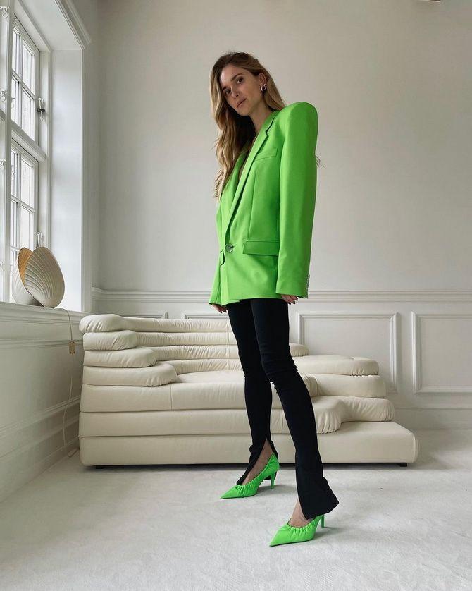 С чем носить зеленые неоновые туфли: яркие луки 19