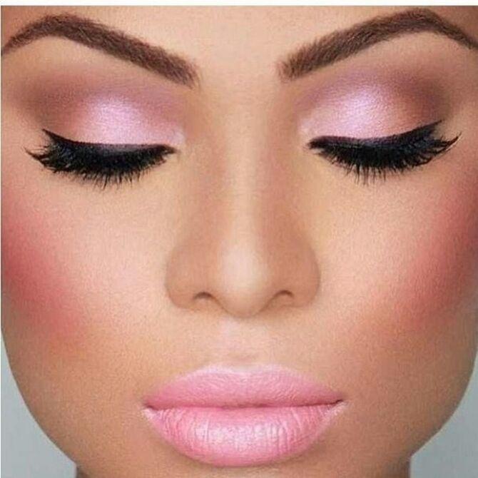 Новий тренд – макіяж у рожевих тонах: топ порад 9