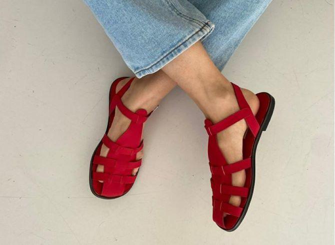 Рибальські сандалі – тренд на потворну взуття триває 1