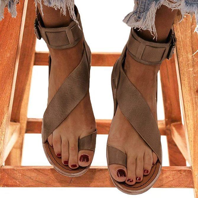 Літні взуттєві тренди: ugly shoes, які будемо носити влітку 2021 11