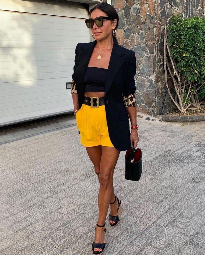 Как носить шорты с завышенной талией — модные советы 25