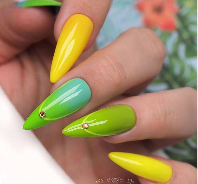 Ногти цвета лета: нейл-арт 2021 в ярких и неоновых цветах 13
