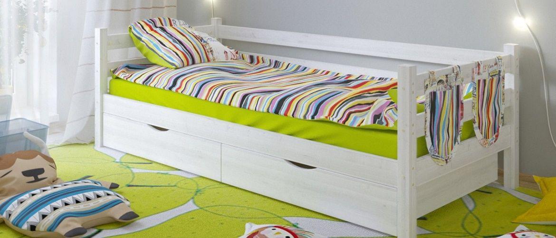 Выбираем постельное белье в детскую кроватку: комфортные наборы для самых маленьких