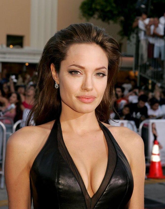 Анджеліна Джолі хоче розірвати всі зв'язки з Бредом Піттом і продає свою частину в спільній компанії 1