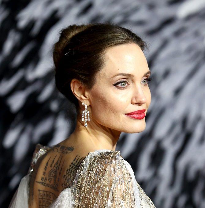 Анджеліна Джолі хоче розірвати всі зв'язки з Бредом Піттом і продає свою частину в спільній компанії 2