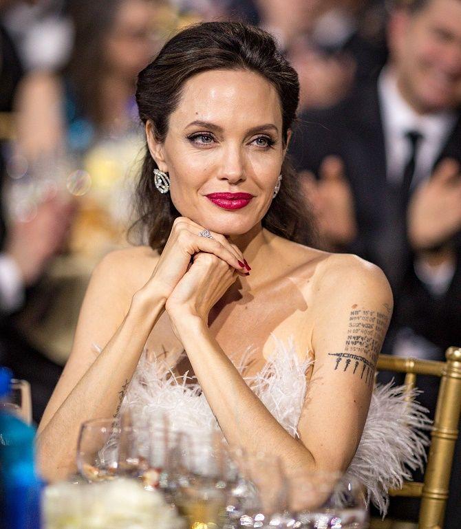 Анджеліна Джолі хоче розірвати всі зв'язки з Бредом Піттом і продає свою частину в спільній компанії 3