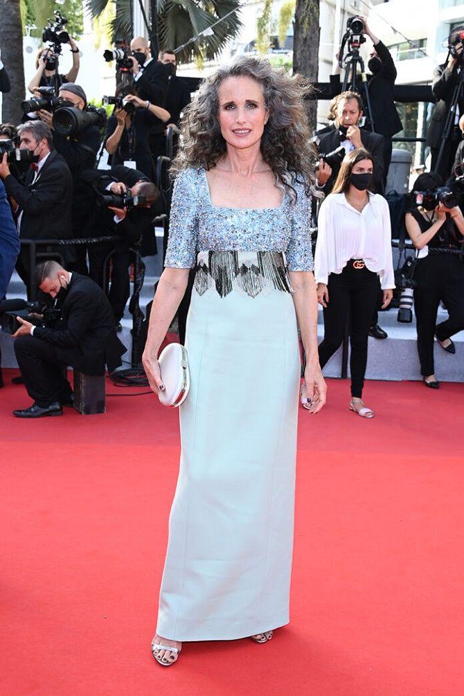 Каннский кинофестиваль 2021: Хелен Миррен, Белла Хадид и другие звезды на красной дорожке 8