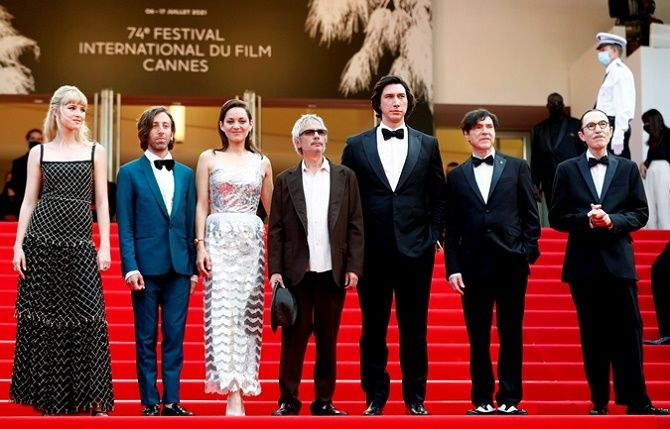 Каннский кинофестиваль 2021: Хелен Миррен, Белла Хадид и другие звезды на красной дорожке 1