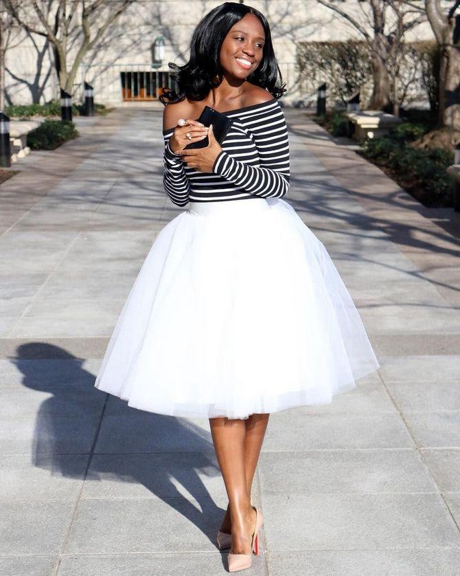 Белая юбка на лето 2021 — какие образы с ней можно создать 16
