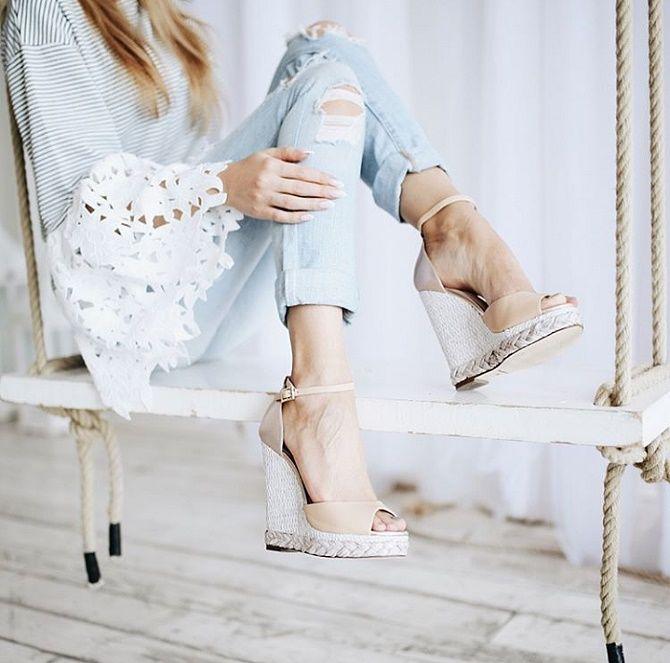 Модні босоніжки на платформі: що носити цього літа 17