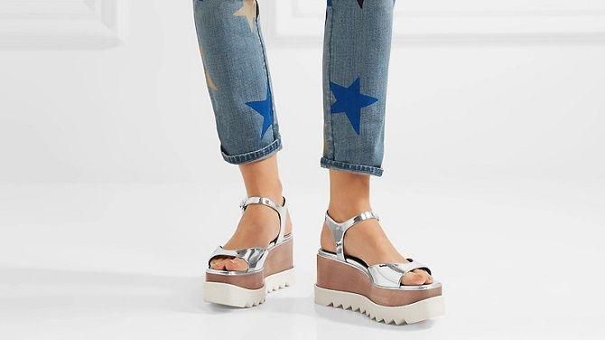 Модні босоніжки на платформі: що носити цього літа 20