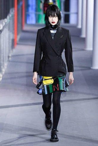 Як носити чорний піджак, щоб виглядати модно: ненудні ідеї 7
