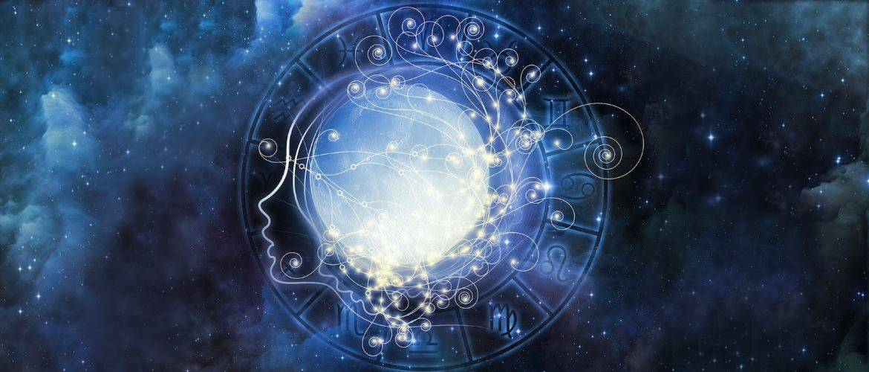Женский гороскоп на август 2021 — астропрогноз для прекрасных дам