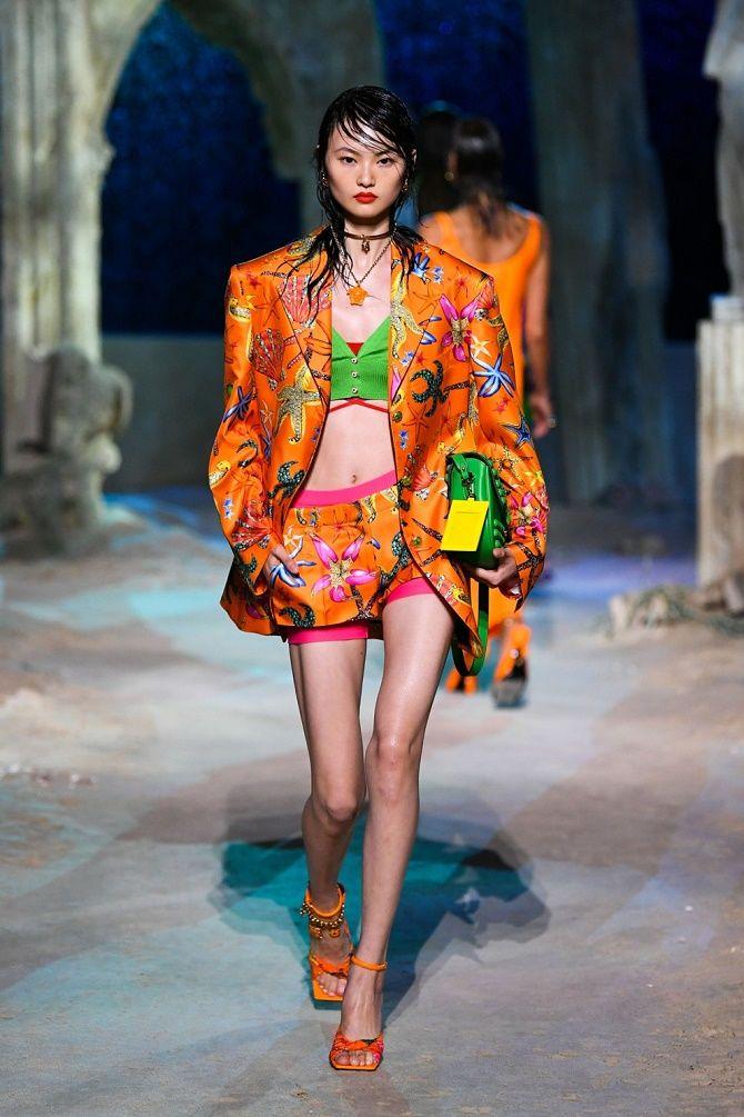 Топы на завязках: как носить и с чем сочетать модный тренд 11