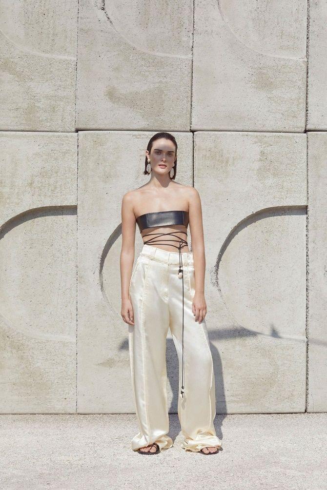 Топы на завязках: как носить и с чем сочетать модный тренд 4