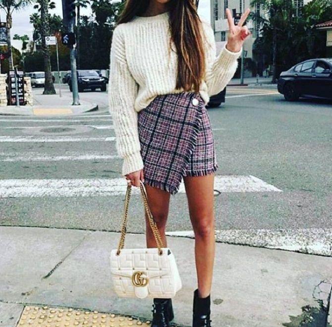 С чем носить модную юбку в клетку: актуальные идеи для модниц 24