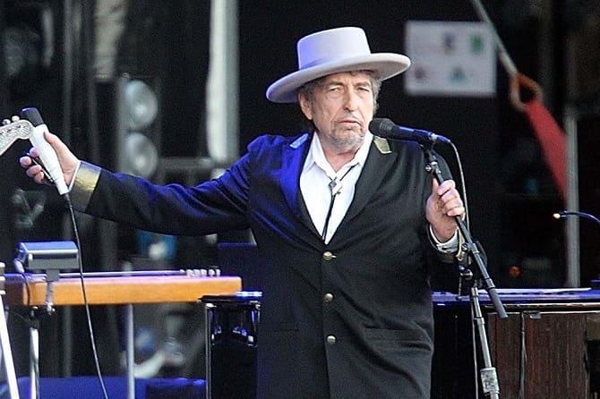 Культовый музыкант Боб Дилан обвинен в изнасиловании 12-летней девочки 5