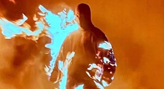 Каньє Вест випустив альбом «Донда» і запросив на презентацію Кім Кардашьян 3
