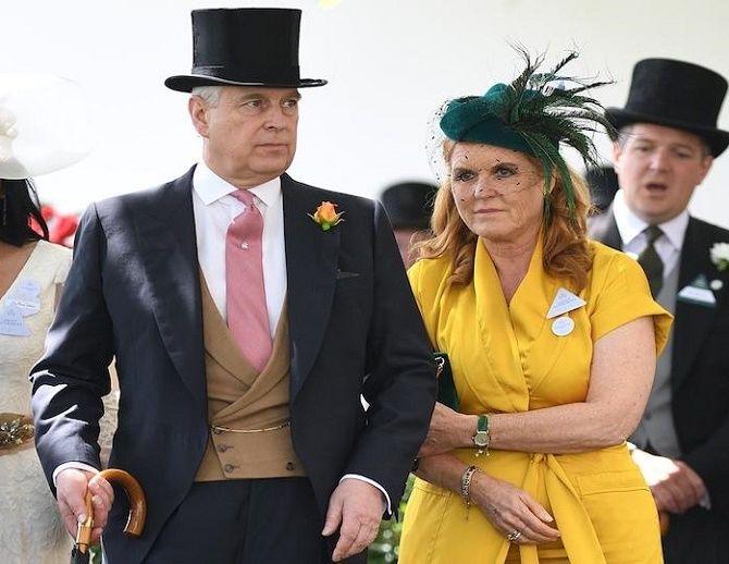 Скандал в королевской семье: принца Эндрю официально обвинили в изнасиловании несовершеннолетней 4
