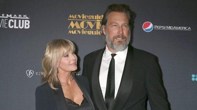 Звезда «Секса в большом городе» Джон Корбетт тайно женился на Бо Дерек после 20 лет отношений 1