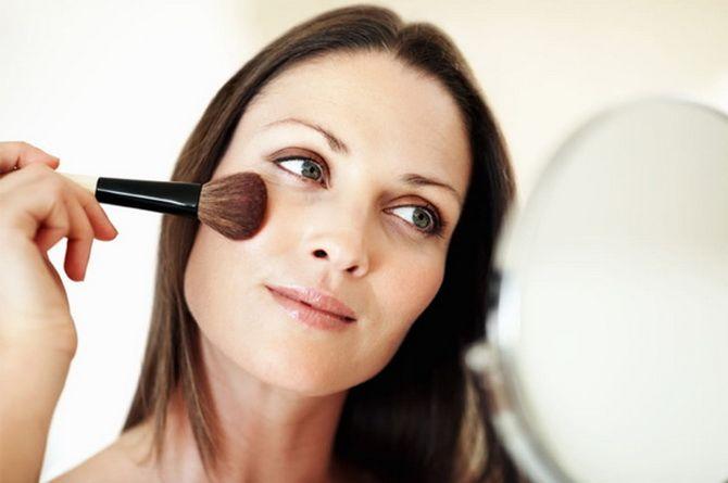 8 советов по нанесению макияжа для женщин старше 40 лет 8