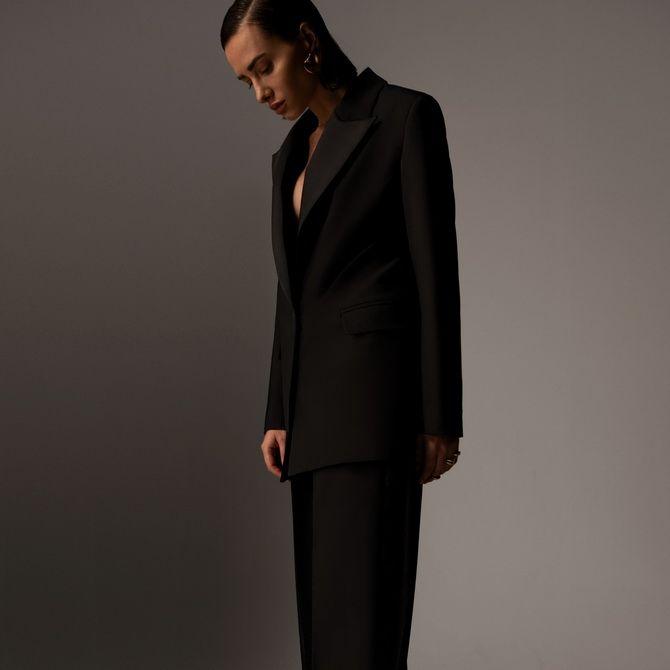 Топ-модель из Одессы Алена Шуба представила собственный бренд одежды 5