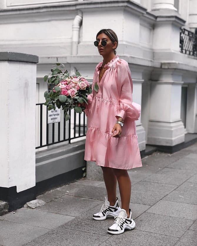 Модели платьев, которые можно носить с кроссовками 4