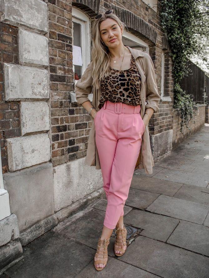 З чим носити яскраві штани ранньої осені 2021: модні поєднання 11