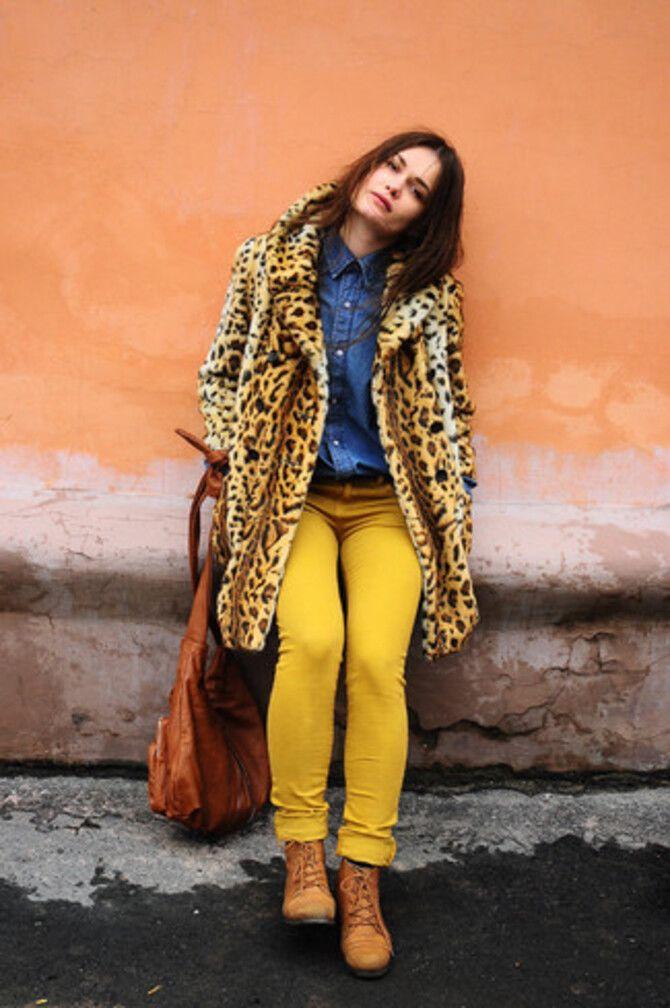 З чим носити яскраві штани ранньої осені 2021: модні поєднання 12