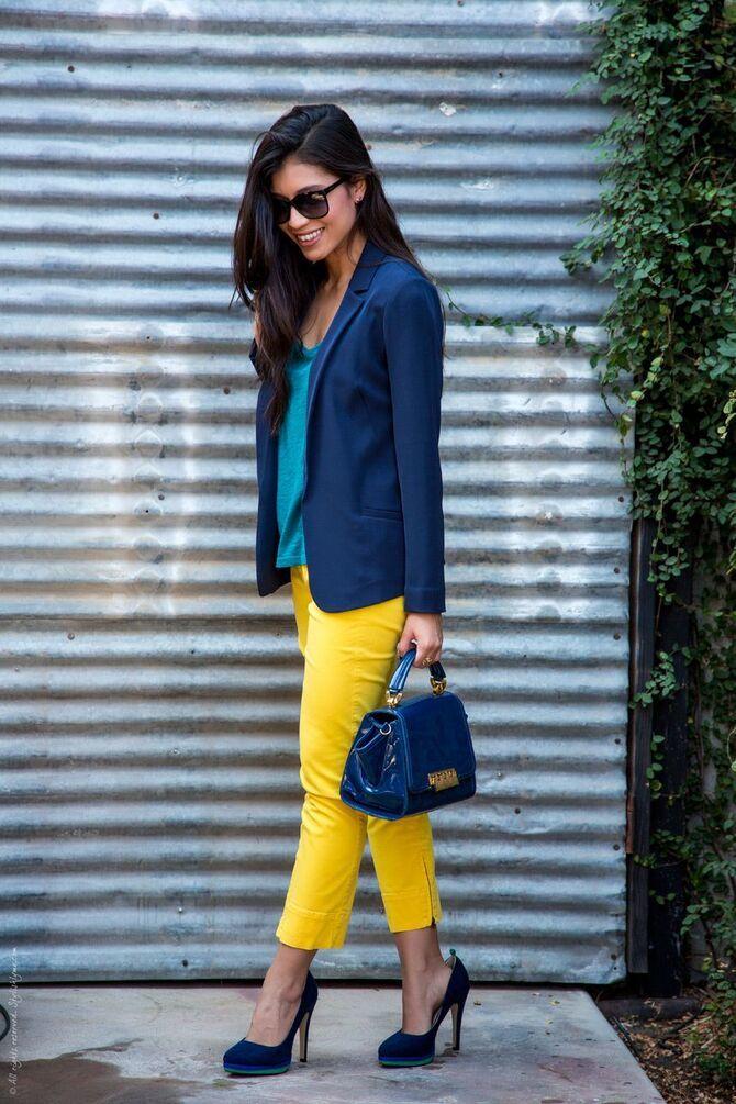 З чим носити яскраві штани ранньої осені 2021: модні поєднання 14