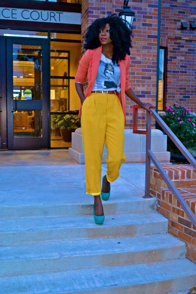 З чим носити яскраві штани ранньої осені 2021: модні поєднання 16