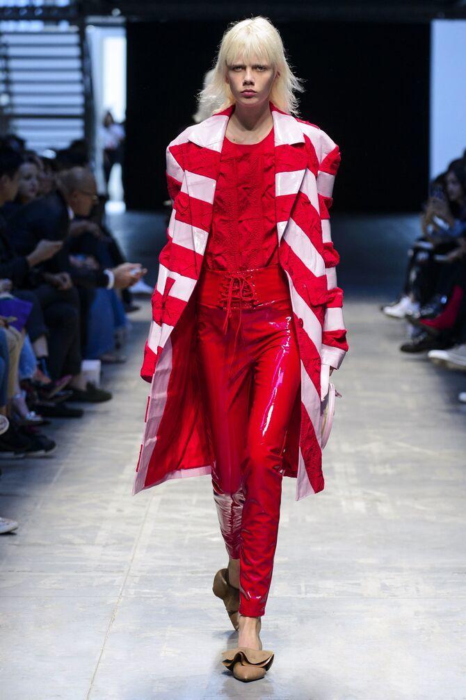 З чим носити яскраві штани ранньої осені 2021: модні поєднання 27
