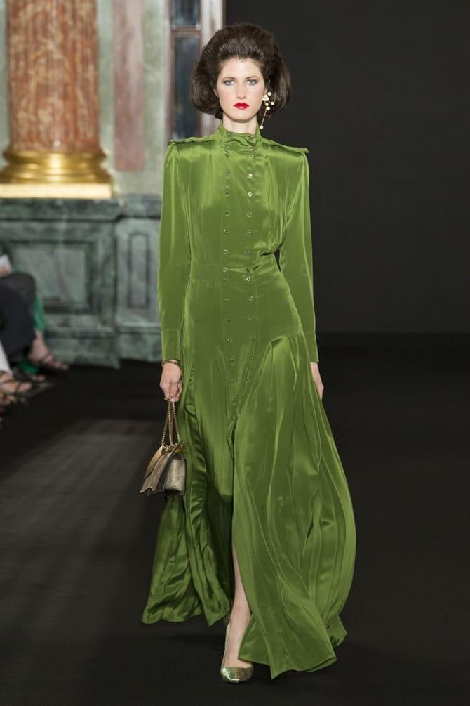 Как носить зеленые платья: модные и необычные образы 18