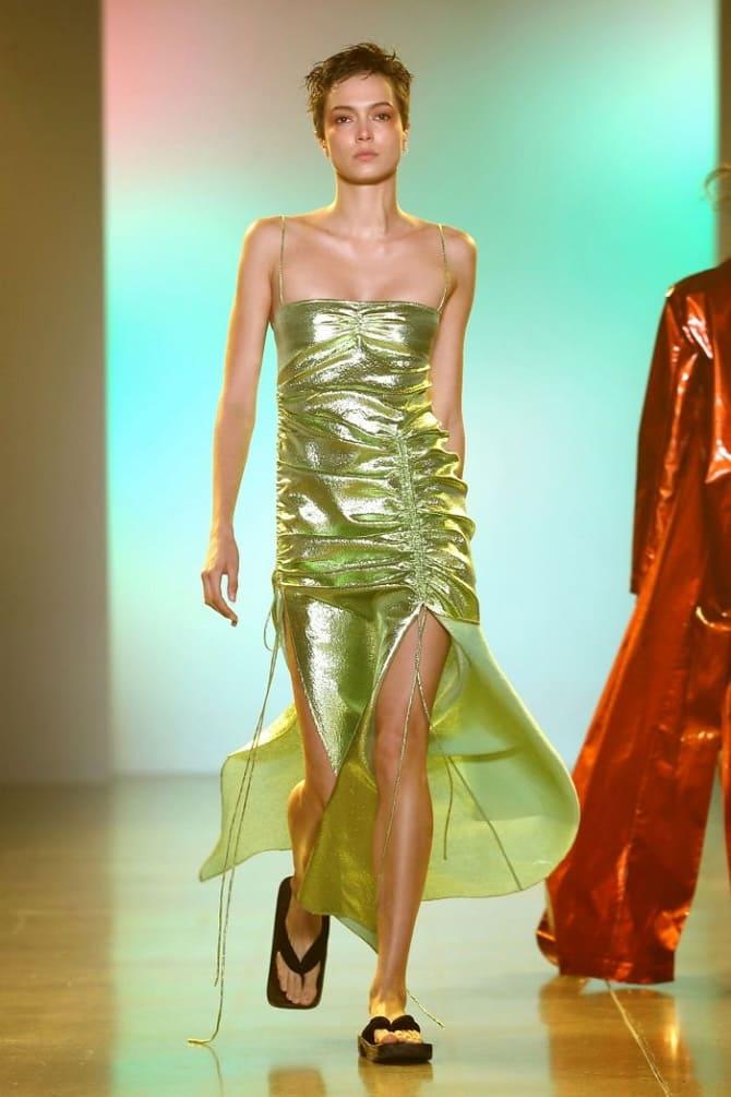 Как носить зеленые платья: модные и необычные образы 19