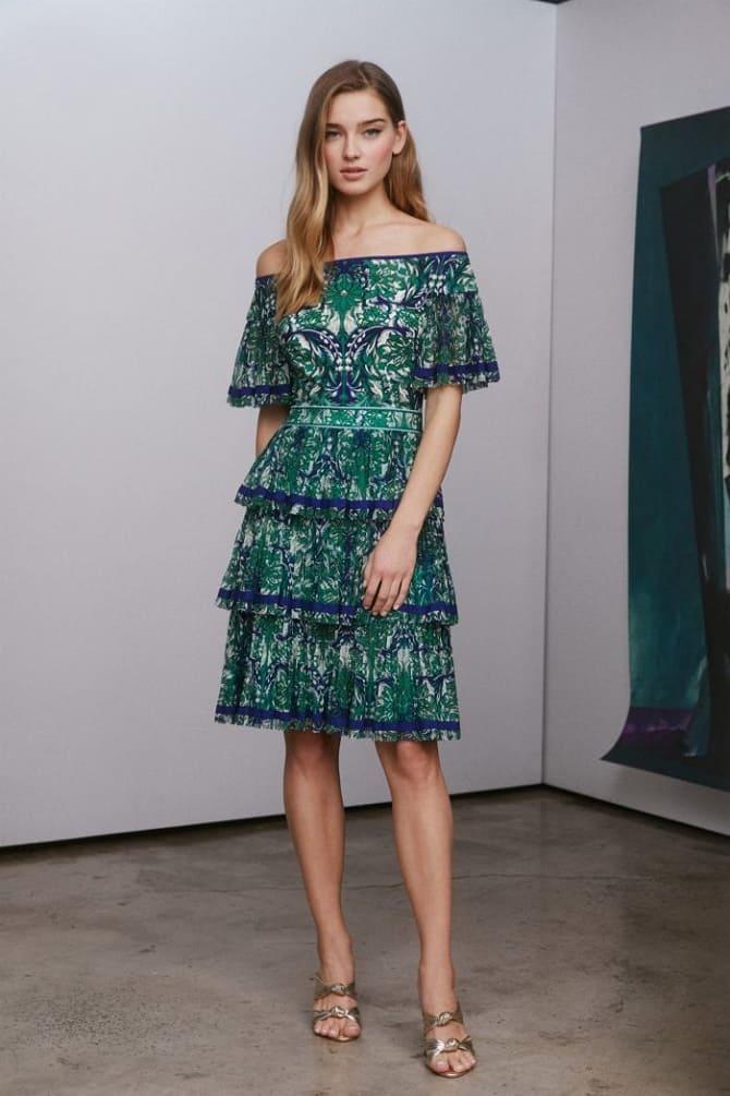 Как носить зеленые платья: модные и необычные образы 23