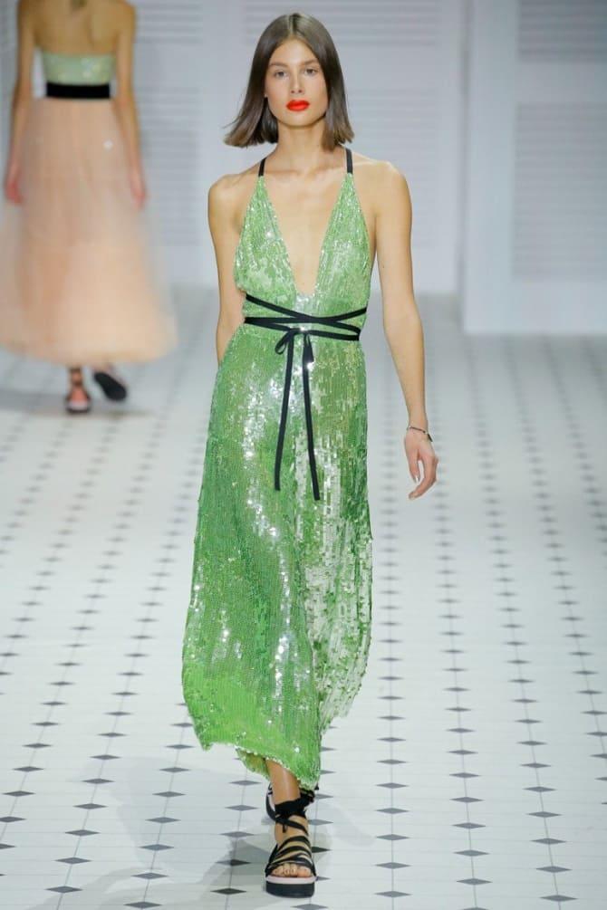 Как носить зеленые платья: модные и необычные образы 10